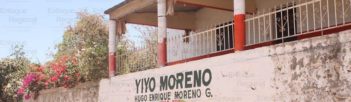 """Pintan barda  en promoción a Moreno Guzmán """"Yiyo"""", sin solicitud ni autorización."""