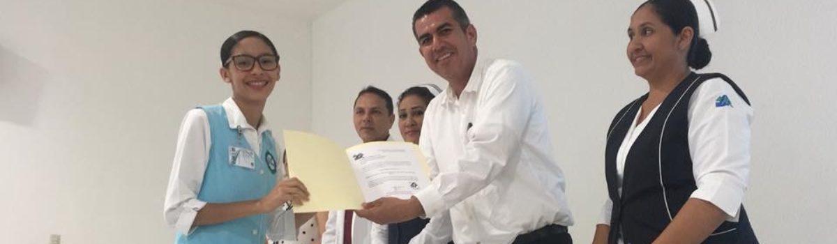 Alumnos de UTESC  Enfermería, exponen trabajos de Estadías.