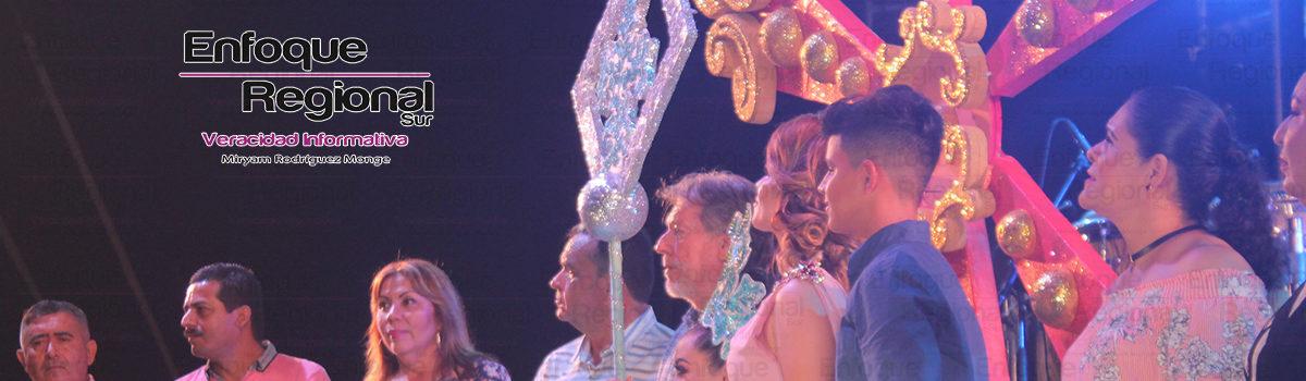 """Coronan a Jessaly I, como reina de La """"Fiesta del Mar de las Cabras"""""""