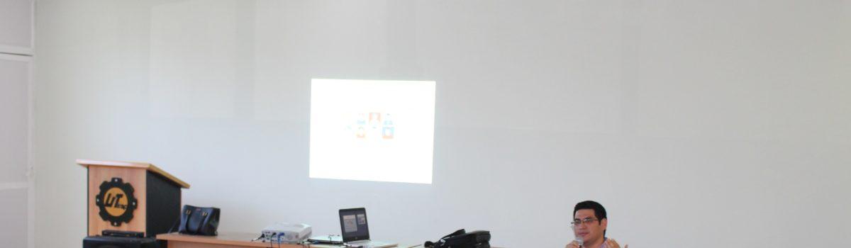 """Alumnos UTESC, reciben conferencia """"Redes Sociales y Manejo de Estrés""""."""