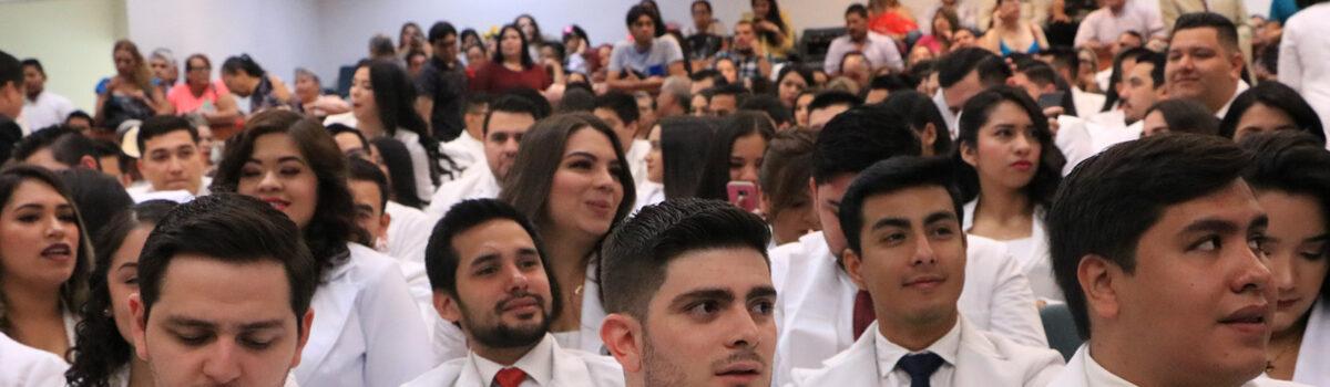 El médico es un estudiante eterno: Dr. Aarón López Monge