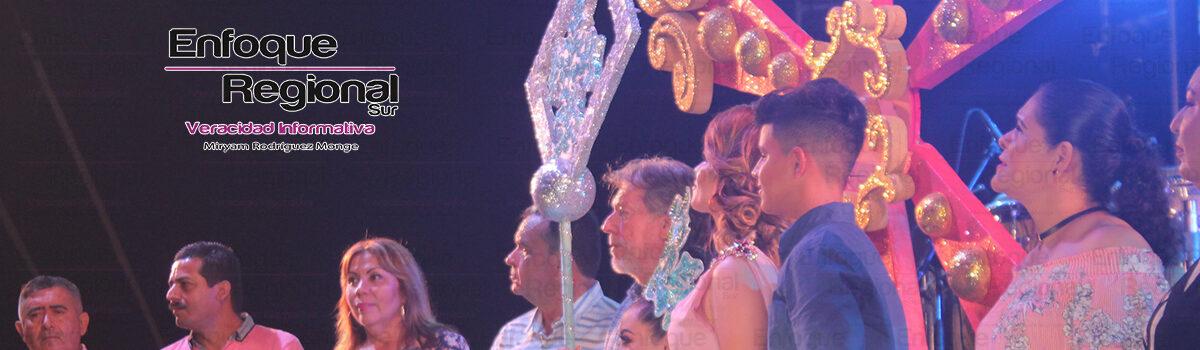 Coronan a Jessaly I, como reina de La «Fiesta del Mar de las Cabras»