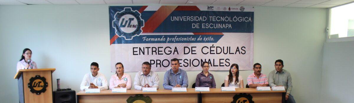 Reciben Título y Cédula egresados UTESC del TSU, Licenciatura e Ingeniería.