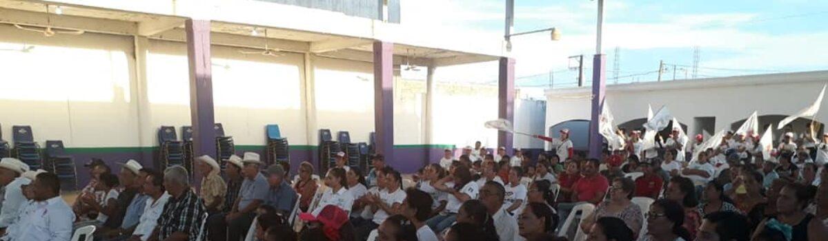 Arcelia Prado cierra campaña en La concha.