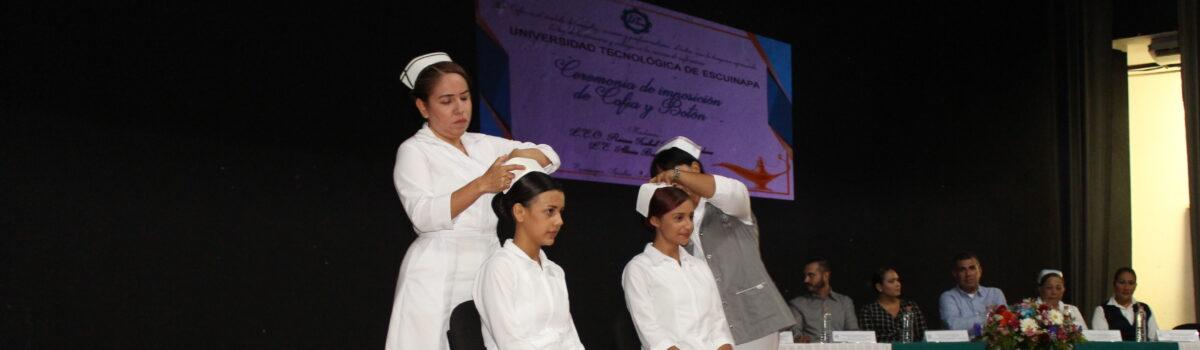 Imponen Cofia y Botón a estudiantes de Enfermería.