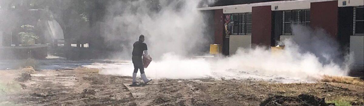 COEPRISS atiende brote de aguas negras en escuela de Mazatlán