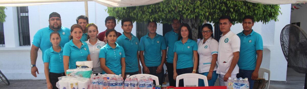 Estudiantes de UTESC, entregan donativos en apoyo a los afectados por lluvias en el Estado.